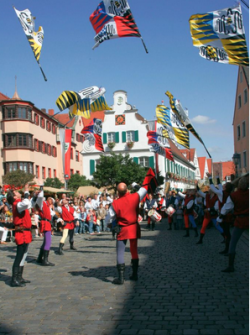 Mittelalterliche-Markttage-Aichach-250x335